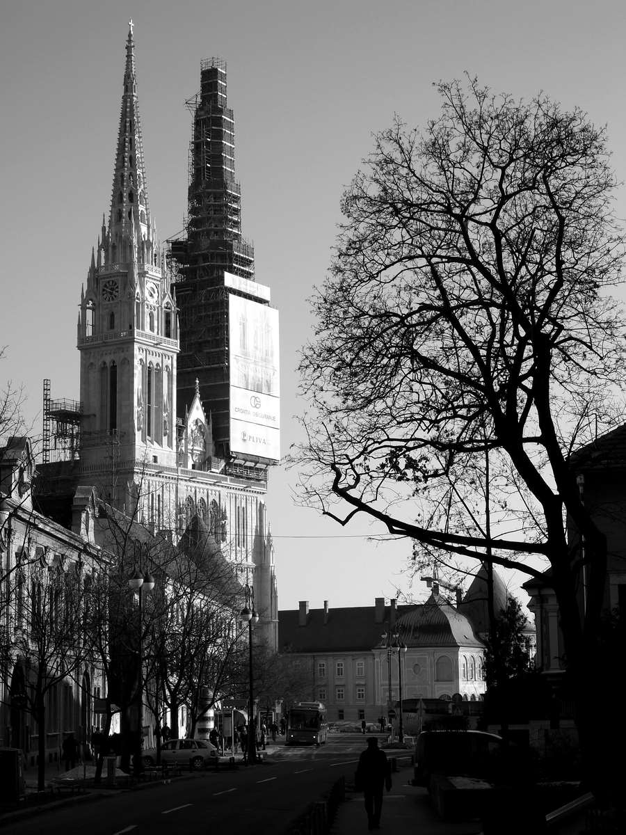 Chatedral-bw