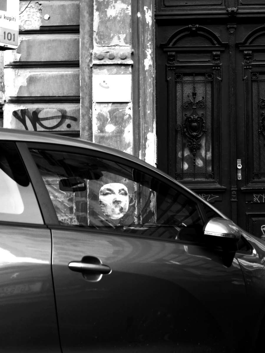 Face at the window-bw